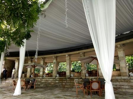 Tenda Plavon Lajur Amanjiwo Resort