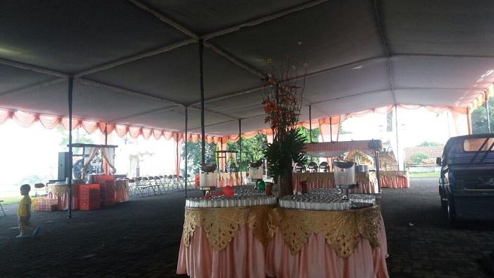 Tenda Plavon Rumbai untuk Pesta
